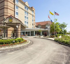 Monte Carlo Inn Airport Suites 2