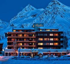 Arosa Kulm Hotel & Alpin Spa 1