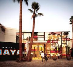 Hotel Maya - a Doubletree by Hilton Hotel 2