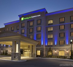 Holiday Inn Express Suites Vaughan 1