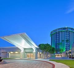 Holiday Inn Long Beach Airport 1