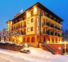 Euro Youth Hotel & Krone 1