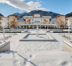 Alpenpalace Luxury Hideaway & Spa Retreat 1