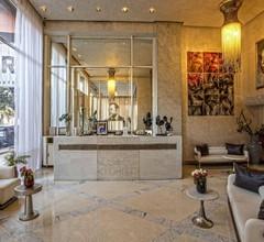 La Renaissance Hotel 1