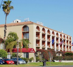 Golden Sails Hotel 1