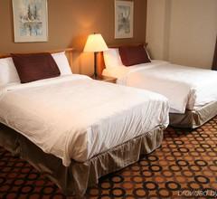 Prince Arthur Waterfront Hotel & Suites 1