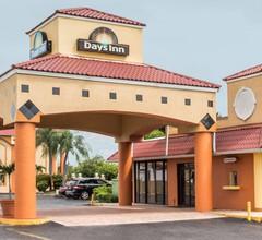 Days Inn by Wyndham Fort Myers 1