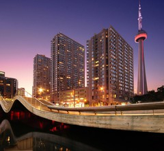 Radisson Admiral Toronto Harbourfront 1