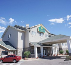 Quality Inn and Suites Westminster - Bro 2