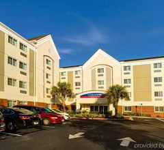 Candlewood Suites Ft Myers I-75 1