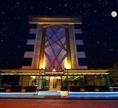 Golden Deluxe Hotel 1