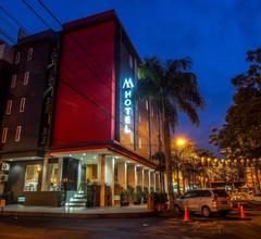 M Hotel Jakarta 1
