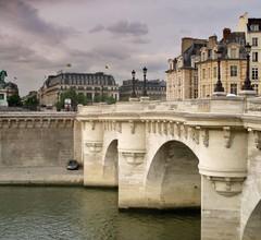Mercure Paris Notre Dame Saint Germain des Prés 2