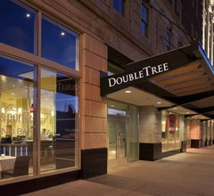 DoubleTree Suites by Hilton Detroit Downtown - Fort Shelby 2