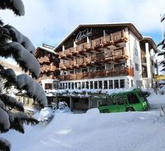 Swiss Family Hotel Alphubel 1