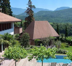 Designvilla im Weindorf Kaltern am See, mit Freischwimmbad, Whirlpool, Sauna und großem Garten zur Alleinnutzung 2