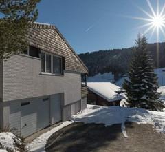 Chalet Pfiff, (Wildhaus). 4.5-Zimmer Ferienhaus direkt bei den Bergbahnen 2