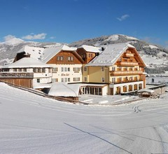 ALMGUT - Mountain Wellness Hotel 2