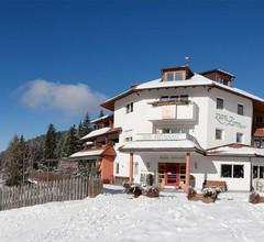 Berghotel Zum Zirm 1