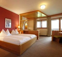 Hotel \ 2