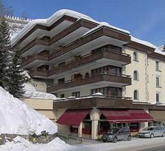 Villa des Alpes Nr. 10 1