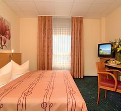 Center Hotel Drive Inn 2