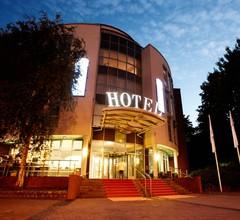 Hotel Kiel by Golden Tulip 1