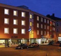 Hotel Vis A Vis 1