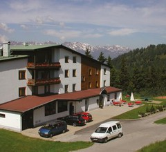 Sporthotel Hochlienz Familienresort & Almdorf 2