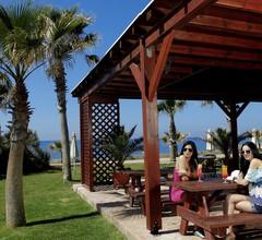Aquamare Beach Hotel & Spa 1