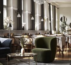 Ascot Hotel 1