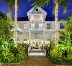 Parrot Key Hotel & Villas 1