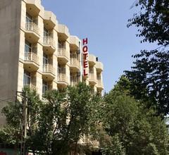 Pasargad Hotel 1