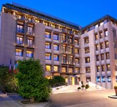 Lazart Hotel 1