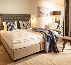 Easy Living Hotel 2