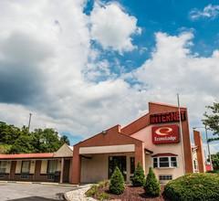 Econo Lodge Pittsburgh I-79 1