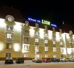 Lion Hotel 2