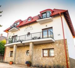 Piroska Villa 1