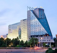 Estrel Hotel Berlin 1