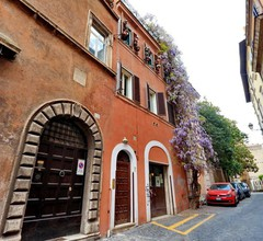 Rome Accommodation - Via Giulia 2