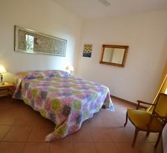 Idyllisches Ferienhaus in Geremeas, Sardinien mit Meerblick 2