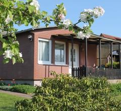 Moderner Bungalow mit Garten in Boltenhagen 1