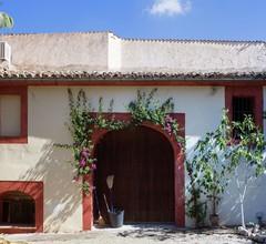 Cozy Cottage in Lloret de Vistalegre with Swimming Pool 2