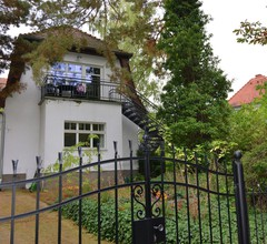 Apartment with balcony in one of the most beautiful districts of Berlin 2