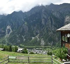 Schöne Ferienwohnung mit Balkon in St. Niklaus 2