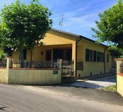 Villa mit Garten und Parkplatz nahe der toskanischen Küste 2