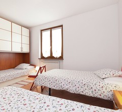 Modernes Apartment mit eigenem Garten, Seenähe, Lombardei 1