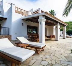 Hübsches Ferienhaus in Santa Eulària des Riu mit Privatpool 2