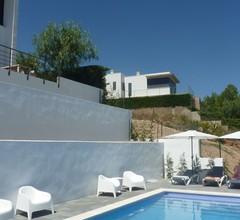 Moderne Villa in Katalonien mit Swimmingpool 2