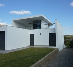 Moderne Villa in Katalonien mit Swimmingpool 1